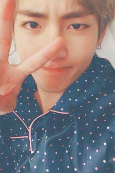 Taehyung on Bottom # Fanfiction # amreading # books # wattpad Bts Taehyung, Namjoon, Daegu, Taehyung Wallpaper, Fanfiction, Yoongi, Gucci, Wattpad, Bts Lockscreen