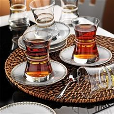 Çay Takımı Turkish Tea, V60 Coffee, Coffee Maker, Tea Cups, Kitchen Appliances, Glass, Istanbul, Pots, Trips