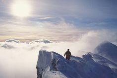 Die Naturkulisse am Sparafeld ist atemberaubend. Skifahren in den Alpen immer ein Erlebnis. Foto: djd/Alpenregion Nationalpark Gesäuse