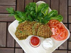 Tvekar du inför att göra falafel eftersom fritering är så jobbigt? Testa att göra falafeln i våffeljärnet! Hur enkelt som helst och det går dessutom snabbt!