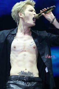 140823 JYJ Concert in Beijing 'THE RETURN OF THE KING' – Kim Jaejoong