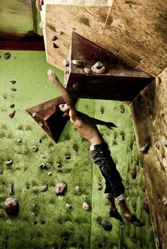 Going all out for the hold Indoor Climbing, Sport Climbing, Climbing Wall, Id Photo, Trekking, Escalade, Kayak, Ski, Skydiving