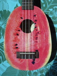 a watermelon ukulele Watermelon Art, Watermelon Carving, Fruits Decoration, Fruit Art, Fruit Food, Edible Art, Creative Food, Food Art, Surfboard