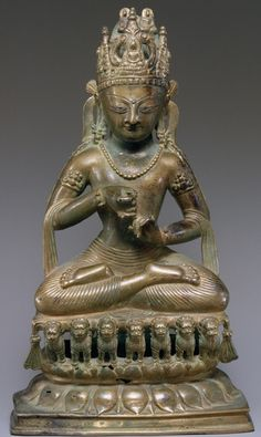 5th-6th century, Vairocana, bronze with silver inlaid eyes and copper inlaid lips, 33 cm, Swat Valley, North Pakistan, at the New York Metropolitan Museum