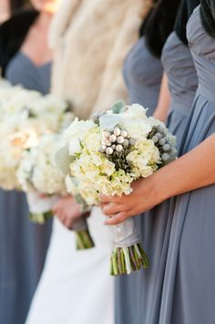 Soft colors for the whole bridal party