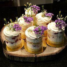 Easter/Spring-Almost naked mini cakes. So lovely.