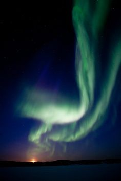 Aurora boreale vicino a Yellowknife, Northwest Territories, Canada