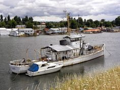 old boat on the Columbia River - Portland, Oregon