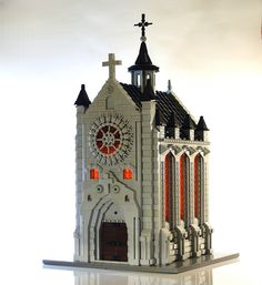 Take your rest at this small, stone Gothic chapel Lego Modular, Lego Design, Lego Technic, Chateau Lego, Technique Lego, Construction Lego, Lego Trains, Lego Room, Cool Lego Creations