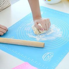 Kitchen Silicone Baking Cake Dough Fondant Rolling Kneading Mat Baking Mat with Scale Cooking Plate Table Grill Pad Tools Bolo Macaron, Table Grill, Pastry Board, Chefs, Silicone Baking Mat, Baking And Pastry, Pastry Cake, Pizza Pastry, Baking Tools