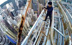 "Hong Kong ""roofwalker"" Daniel Lau"