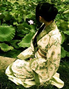 Learn Yoga, Yoga Flow, Colorful Pictures, Geisha, Asian Art, My World, Evergreen, Beautiful People, Fine Art