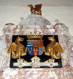 Crest on the memorial to the 6th Earl of Kent. He presided over the execution of Mary, Queen of Scots. His behaviour was a disgrace to humanity, intelligence and compassion.