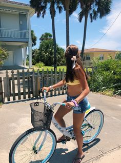 Top Advice To Help You Look More Fashionable – Girl Next Door Fashion Summer Feeling, Summer Vibes, Bike Ride Quotes, Cycling Quotes, Bike Photoshoot, Summer Goals, Summer Aesthetic, Beach Aesthetic, Summer Pictures