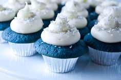 Blue velvet cupcakes for a David Lynch viewing party. Loving the blue, white and silver!