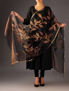 Buy Black Golden Silk Zari Jamdani Dupatta Accessories Dupattas Enchanting Weaves Festive Sarees and in Tussar Matka Online at Jaypore.com