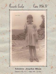 Posado escolar do curso 1956/1957. Cedida por Ezaro.com