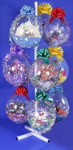 Balloon Display Tree Keepsake Balloon Stuffing machine a classy way to wrap your gift in a balloon Balloon Tree, Balloon Display, Balloon Gift, Balloon Flowers, Balloon Bouquet, Balloons Galore, Big Balloons, Homemade Party Decorations, Balloon Decorations