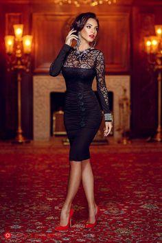 Black dress red heels, red heels outfit, heels outfits, black high heels, s Black Dress Red Heels, Red Heels Outfit, Heels Outfits, Sexy Outfits, Black Maxi, Fashion Vestidos, Dress Vestidos, Women's Fashion Dresses, Sexy Dresses
