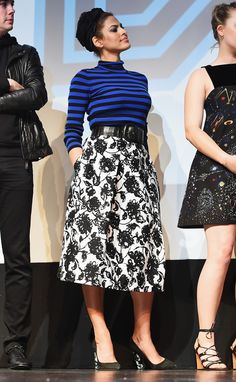 Eva Mendes wearing Michael Kors Pre-Fall 2015 Sweater and Michael Kors Pre-Fall 2015 Skirt