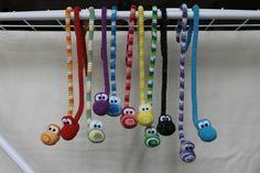 Amigurumi Snakes, free pattern not in En Crochet Amigurumi, Amigurumi Patterns, Crochet Dolls, Knitting Patterns, Crochet Patterns, Crochet Gifts, Cute Crochet, Crochet For Kids, Crochet Baby