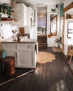 23 Camper Remodel Ideas That Will Inspire You - Wohnwagen Van Living, Tiny House Living, Living In A Camper, Living Room, Rv Homes, Tiny Homes, Classic Kitchen, Sweet Home, Camper Renovation