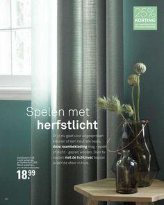 Karwei gordijnen groen inbetween Plant Decor, Green Plants, Interior Inspiration, Family Room, Glass Vase, Sweet Home, Shabby, New Homes, Indoor