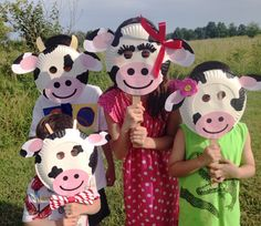 ChickfilA Cow Day Paper Plate Cow Masks With Free Printables – Cow mask - Nutztiere Paper Plate Masks, Paper Plate Crafts, Paper Plates, Animal Masks For Kids, Face Masks For Kids, Crafts For Seniors, Crafts For Kids, Cow Face Paints, Farm Animal Costumes
