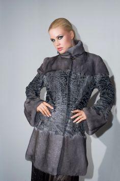 Γουνες Otcelot Χειροποιητα γουναρικα κατασκευασμενα στη Καστορια.Στη πολη που αξιοποιει χωρις διακοπη μεχρι σημερα εμπειρια αιωνων με ριζες στο Βυζαντιο Furs, Hooded Jacket, Winter Jackets, Athletic, Celebrities, Beauty, Fashion, Jacket With Hoodie, Winter Coats
