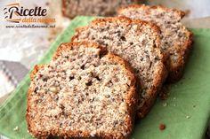 Un plumcake realizzato con farina integrale reso ancora più gustoso dalla presenza dello yogurt e delle noci. Ideale per la colazione o per la merenda.