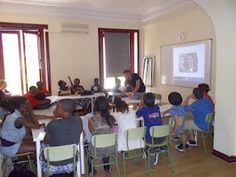 Spanish teacher Jaume giving a class about Federico García #Lorca, the famous #Spanish playwright of the early 20th century. http://www.ailmadrid.com/en/14/5/Spanish-Language-Course