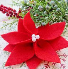 DIY Felt Poinsettia | Stunningly Beautiful DIY Homemade Christmas Ornaments