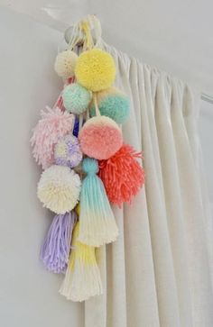 33 Best Teenage Boy Room Decor Ideas and Designs for 2018 Boys room ideas from DIY to decorating to color schemes- so much inspiration to make your boy's room cozy and stylin'. ideen Awesome Teen Girl Bedroom Ideas That Are Fun and Cool Room Decor For Teen Girls, Cool Teen Bedrooms, Teenage Girl Bedrooms, Boys Room Decor, Trendy Bedroom, Teenage Room Decor Diy, Teenage Girl Crafts, Ikea Girls Room, Cute Diy Room Decor