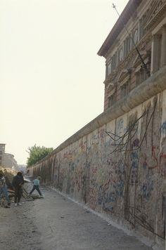 Berlin | Geteilte Stadt. Berliner Mauer, May 1990