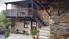 Places To Go, Cabin, Elba, House Styles, Home Decor, Wonderful Places, Viajes, Sevilla Spain, Decoration Home