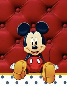 Mickey Mouse Walt Disney Co, Disney Pins, Disney Love, Baby Mickey, Mickey Minnie Mouse, Disney Mickey, Looney Tunes Wallpaper, Mikey Mouse, Classic Mickey Mouse