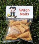 Witch Nails Halloween Treat Bag Toppers Printable by wackykracker Halloween Goodie Bags, Halloween Class Party, Halloween School Treats, Halloween Goodies, Halloween Birthday, Halloween Gifts, Holidays Halloween, Halloween Party Favors, Halloween Ideas