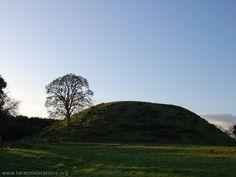 Dowth mound, nr. Newgrange
