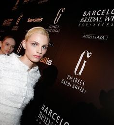 Rosa Clara viste de blanco al modelo andrógino Andrej Péjic