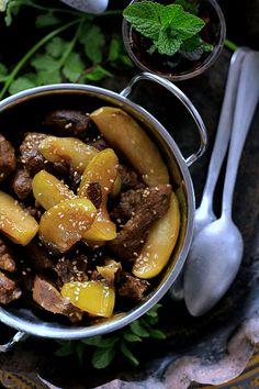 receta de tajín de ternera, manzanas y pasas