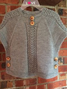 in threes: a baby cardigan pattern by Kelly Herdrich Baby Hats Knitting, Knitting For Kids, Baby Knitting Patterns, Lace Knitting, Knitting Stitches, Knitting Designs, Gilet Crochet, Knitted Poncho, Crochet Baby