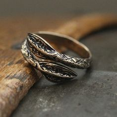Viking Spearhead Ring in Solid Bronze 150 by on Etsy Jewelry Rings, Jewelery, Unique Jewelry, Jewelry Casting, Odin's Spear, Vikings, Rings For Men, Silver Rings, Bronze