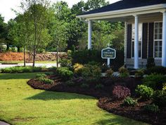 small-landscaping-ideas-for-front-yard