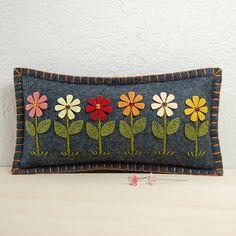 Daisy Garden Pincushion / Small Pillow - Hand Embroidered on Grey Wool Felt by TheBlueDaisy Felt Cushion, Felt Pillow, Felt Embroidery, Felt Applique, Felted Wool Crafts, Felt Crafts, Diy Crafts, Pallette, Felt Pincushions