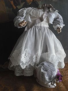 ANTIQUE LACE & COTON DOLL DRESS with HAT FOR BISQUE GERMAN & FRENCH BEBE DOLL