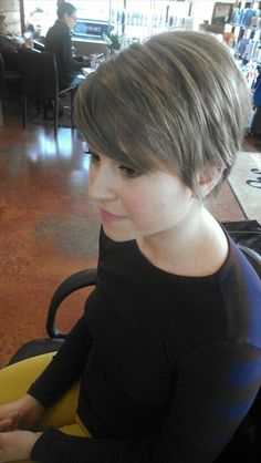 this is adorable... with some high/low lights! Best pixie cuts for fine hair