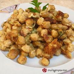 Υπέροχα ρεβύθια φούρνου! Πικάντικο πιάτο, με μπόλικες θερμιδούλες αλλά διαφορετικό και αξίζει να το δοκιμάσει κάποιος. Η συνταγή είναι του chef Αλέξανδρου Παπανδρέου. Greek Recipes, Asian Recipes, Ethnic Recipes, Snack Recipes, Dessert Recipes, Healthy Recipes, Snacks, My Favorite Food, Favorite Recipes