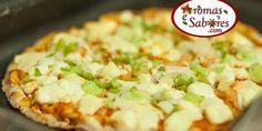 Pizza de pao arabe light com queijo minas e cebolinha
