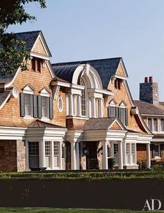 14 classic Shingle Style homes that look like summer