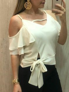 7 Colors Women Summer Fashion V Neck Spaghetti Strap Cold Shoulder Ruffle Bandage Blouse Tees Girls Sweet All-Match Blusa Tops Unique Fashion, Love Fashion, Womens Fashion, Blouse Styles, Blouse Designs, Fashion Themes, Fashion Outfits, Simple Outfits, Casual Outfits
